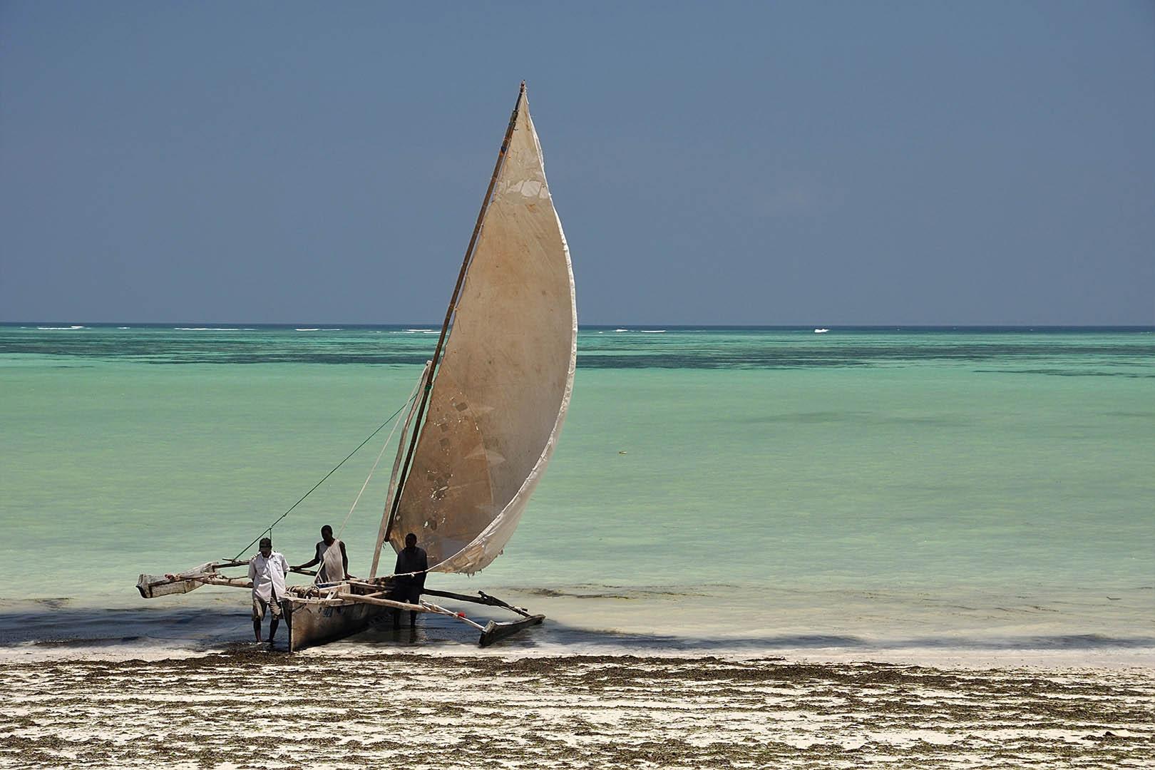 gallery-maasai-wanderings-safari-itineraries-signature-photo-safaris-africa-boat